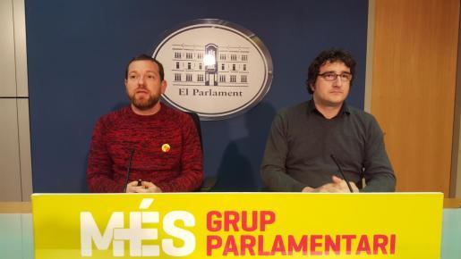Reus (derecha) critica la maniobra del ejecutivo central.