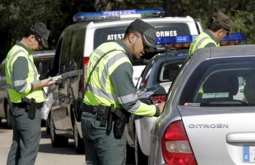 La Guardia Civil montó un gran operativo de búsqueda en Alcúdia, pero de momento no hay detenciones.