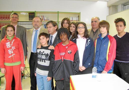 Los consellers Thomàs y Llinàs presentaron el proyecto en un acto en el IES La Ribera.