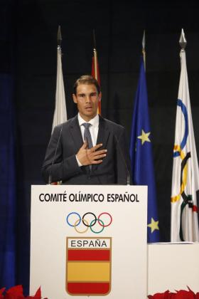 El tenista Rafa Nadal durante su intervención en nombre de los deportistas españoles en la XI Gala Anual del Comité Olímpico Español.