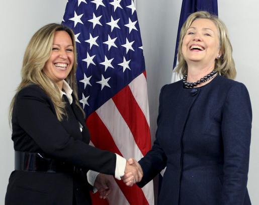 La ministra española de Asuntos Exteriores y Cooperación, junto a su homóloga norteamericana, Hillary Clinton.