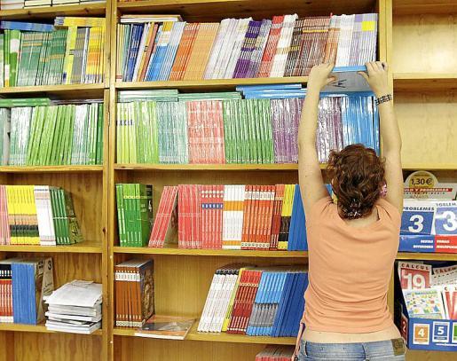 El programa de reutilización de libros y materiales didácticos ofrece a las familias la posibilidad de acceder a ellos a precios más económicos.