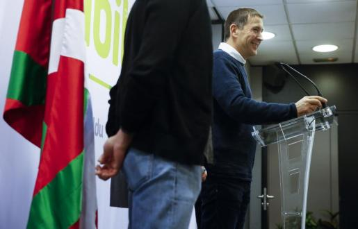 Tras las detenciones, el portavoz de EH Bildu, Arnaldo Otegi, aseguró que el «gran objetivo» de los estados español y francés es que «ETA no se pueda desarmar».