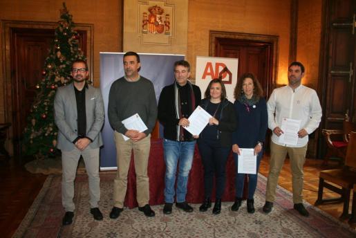 Mercedes Garrido con los alcaldes de Alaró, Aina Munar; Bunyola, Andreu Bujosa; Santa Maria del Camí, Nicolau Canyelles, y Sóller, Jaume Servera.