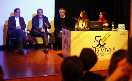 Pedro Horrach, Eduardo Valdivia, Carlos Valencia y Julia Valencia, durante la charla.