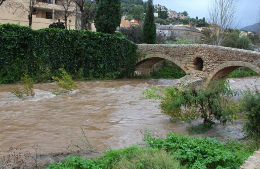 Las intensas lluvias han batido varios registros históricos en Mallorca e Ibiza.