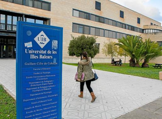 Los grados universitarios de Infantil y Primaria, y el Máster de Secundaria, que se imparten en el edificio Guillem Cifre de Colonya, serán objeto de cambios.