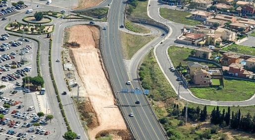 La consellera arrancó del secretario de Estado el compromiso de que los Presupuestos del año que viene incluirán dinero adeudado correspondiente a obras del convenio de carreteras.