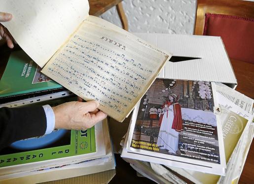 Joan Parets y el Arxiu Capitular han firmado un protocolo de donación para la entrega de su dossier sobre La Sibil·la.