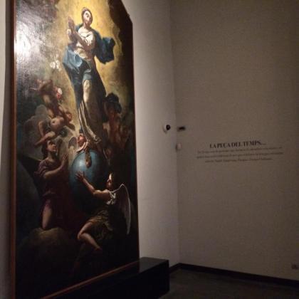 Esta representación de la Inmaculada pintada por Guillem Mesquida, que pertenece a la Seu, abre 'La peça del temps' en el Museu Diocesà; se puede ver hasta febrero.