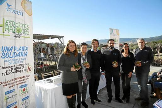 Marta Barrio, Carme Serra, Fede Álvarez, José Antonio Rodado, Carolina Mora y Lorenzo Bauzá durante la presentación de '4 Estaciones, 4 Razones'.