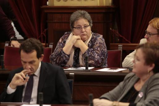 La ex diputada de Podemos Montserrat Seijas durante un pleno del Parlament.
