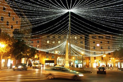 En la imagen, las luces de Navidad de la Plaza de las Tortugas.