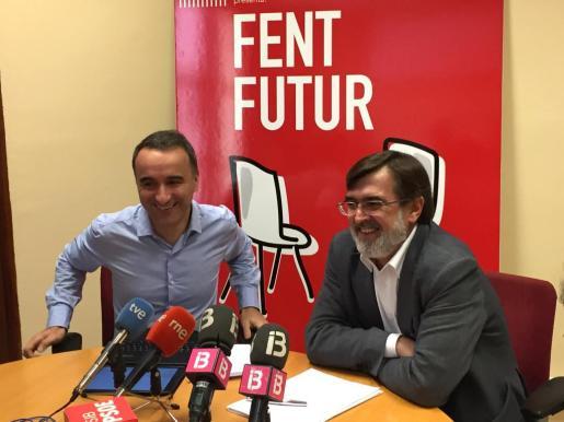 En la imagen, el diputado socialista por Baleares, Pere Joan Pons y el senador, Francesc Antich.