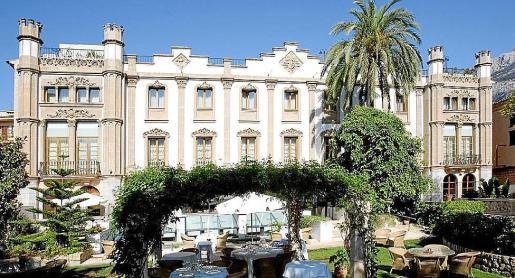El Gran Hotel Sóller ocupa el edificio de Can Cremat, que es obra de Joaquim Maria Pavía.