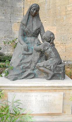 Escultura de sor Maria Rafela.