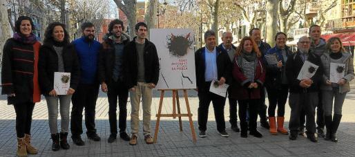 Imagen de la presentación oficial en la Plaça Major de sa Pobla del programa de actos de la fiesta de Sant Antoni 2017.