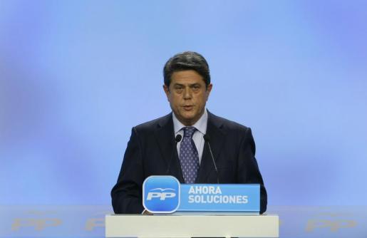 El ex ministro de Defensa Federico Trillo, durante su comparecencia ante los periodistas tras la sentencia de la Audiencia Nacional por las identificaciones erróneas de las víctimas del Yak-42.