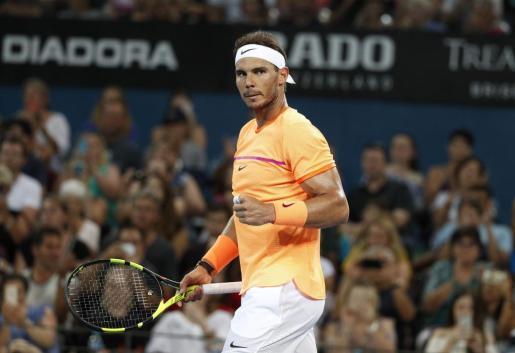 El tenista Rafael Nadal celebra su victoria ante el alemán Mischa Zverev.