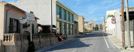 Una parte importante del núcleo urbano de Sant Joan, más de 60 viviendas y decenas de solares, ha quedado suspendida de poder ser edificada.