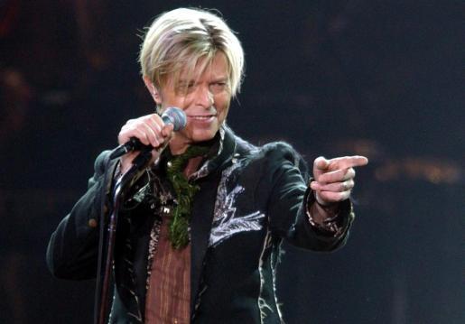 El mundo de la música rinde tributo al intérprete británico, justo al cumplirse un año de su fallecimiento.