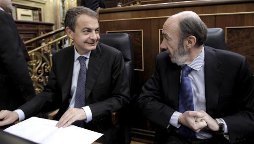 El presidente del Gobierno, José Luis Rodríguez Zapatero con Pérez Rubalcaba.