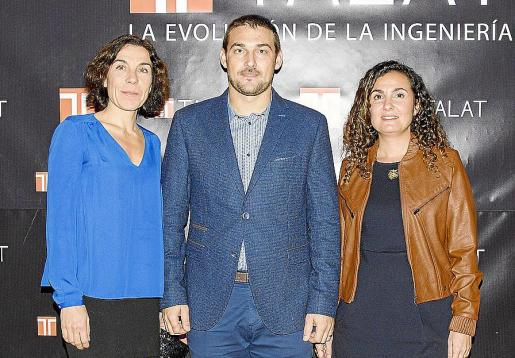 Pilar Carbonell, Guillem Bauzá y Maria Magdalena Payeras.