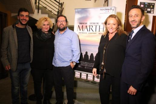 Momento de la presentación de 'Martha' en Capdepera en un pase privado. La actriz Carmen Molinar junto al alcalde de Capdepera, Rafael Fernández.