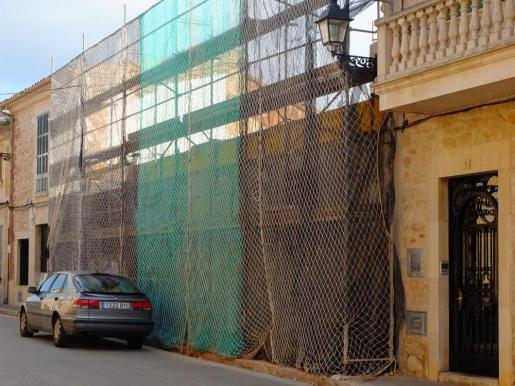 El inmueble, datado del siglo XIX, se sitúa en el número 12 de la calle de Cal Reiet.