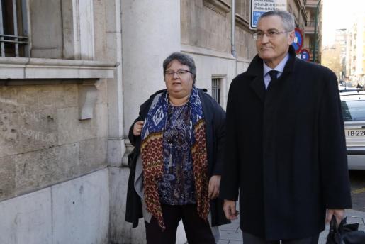 Montse Seijas, a su llegada a los juzgados este jueves.