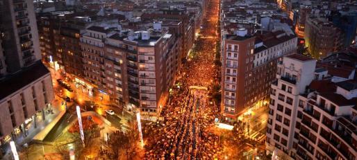 Miles de personas han marchado por las calles de Bilbao para pedir el fin de la dispersión de los presos de ETA.