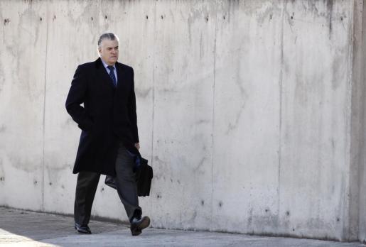 El extesorero del PP Luis Bárcenas, a su llegada a la sede Audiencia Nacional, donde se reanuda el juicio del caso Gürtel.