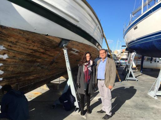 En la imagen, la consellera de Medi Ambient, Sandra Espeja, y el director insular de esta área, José Manchado.
