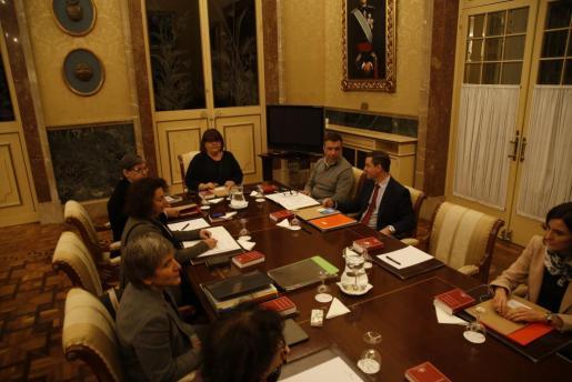Encuentro de la Mesa del Parlament que debía iniciar el relevo de la presidencia de Xelo Huertas, y que finalmente se bloqueó.