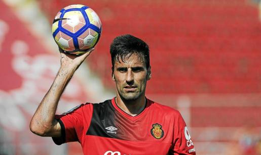 Juan Rodríguez puede actuar de central en el partido que el Mallorca jugará ante el Reus.