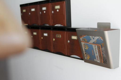 Mientras unos robaban correspondencia bancaria de los buzones, otros realizaban las falsificaciones de documentos.