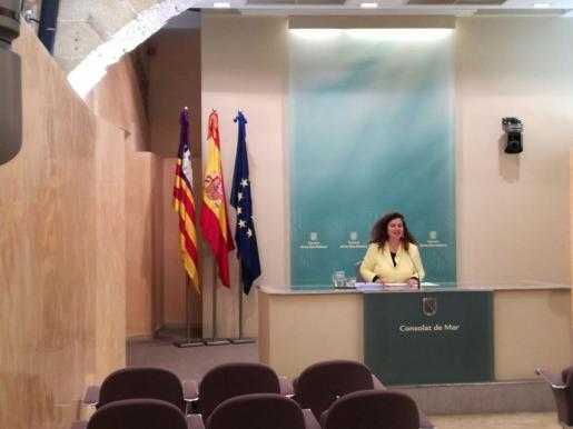 En la imagen, la Consellera de Presidència y portavoz del GOIB, Pilar Costa, en la rueda de prensa de este jueves.