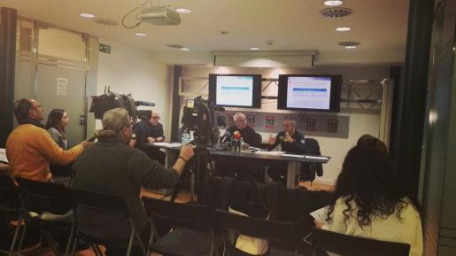 En la imagen, la rueda de prensa en la que se han dado los datos sobre los incidentes en las playas de Baleares.