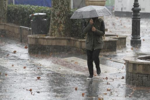 La amenaza de lluvia ha obligado a suspender el Correfoc y el Sant Sebastià Petit.