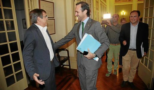 Francesc Antich y José Ramón Bauzá, ambos expresidentes y en la actualidad senadores autonómicos, ya comparecieron en el Parlament en noviembre de 2015 para explicar qué actividad habían desplegado en propuesta a favor de Balears.
