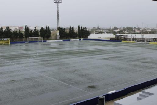 La Federació de Fúbol de les Illes Balears advierte de la posibilidad de que las fuertes lluvias impidan disputarse algunos partidos.