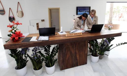 Imagen de una recepción de hotel