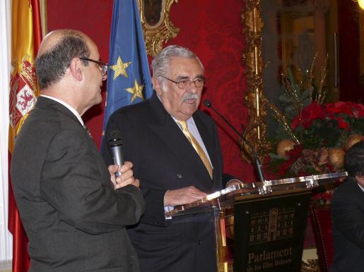 Pere A. Serra, durante el discurso que ofreció al recibir la distinción.