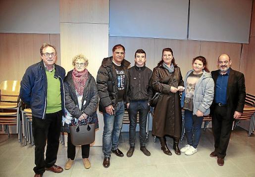 Antoni Garau, Magdalena Alou, Adnan Sohail Qaisar Butt, Tolo Esteban, Rosario Bergas, Jenifer Esteban y Alfons Moll.
