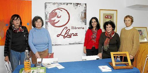 Miriam Rader, Conxa Calafat, Eva Palomo, María de los Llanos García y Nilda Secardini.