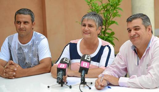 Tanto Katia Rouarch (centro) como Jaume Porsell (derecha) han repetido por activa y por pasiva que el presunto caso de malversación protagonizado por Jonás Palomo (izquierda) no va a afectar al pacto de gobierno de PP y PI.