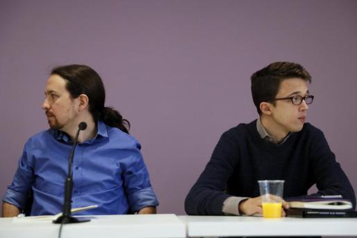 El líder de Podemos, Pablo Iglesias y el portavoz parlamentario del partido, Ínigo Errejón, al inicio del Consejo Ciudadano que la formación ha celebrado este miércoles en Madrid.
