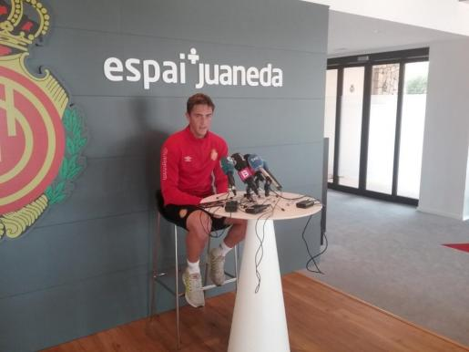 En la imagen, el defensa del RCD Mallorca, Antonio Raillo, en la rueda de prensa de este miércoles.