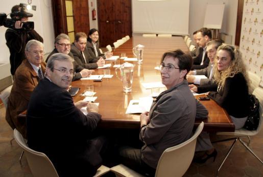 La consellera de Turisme, Joana Barceló, se ha reunido con representantes del sector turístico.