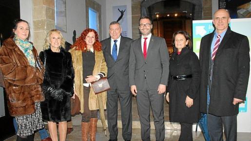 María José Ruiz, Begoña Moragues, Catalina Sureda, Juan Cifuentes, José Hila, María José Guerrero y Antonio Ortiz.
